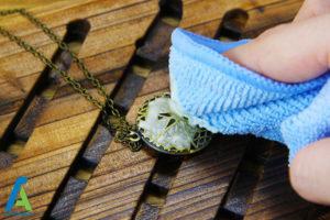 پاک کردن جواهرات برنجی با سرکه